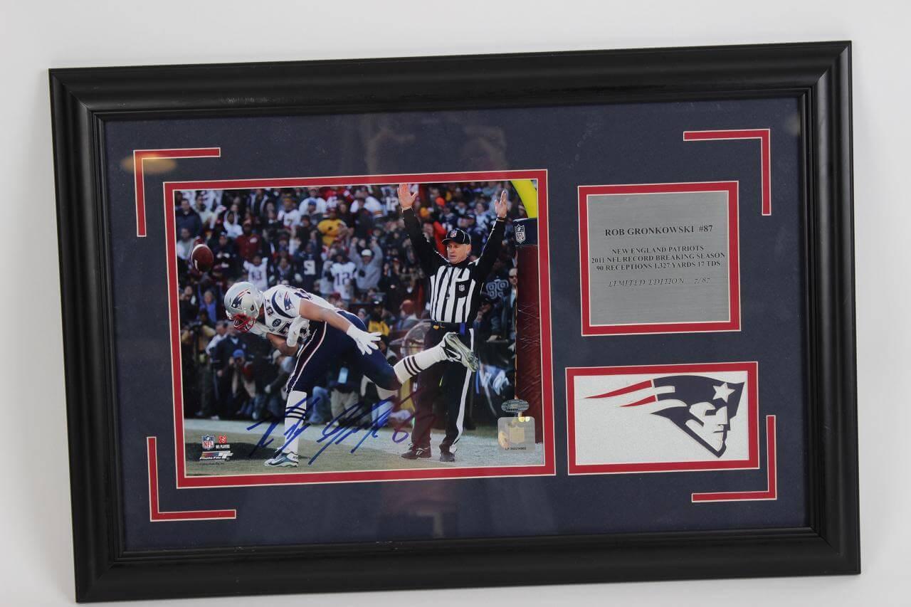 Rob Gronkowski Signed Photo Patriots - COA JSA