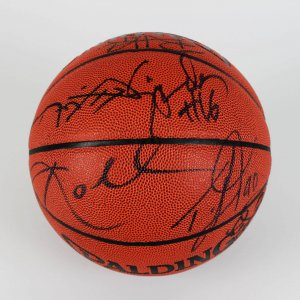 SB** 2000-01 Los Angeles Lakers World Champions Team-Signed Basketball w/Kobe & Phil Jackson (Full JSA)