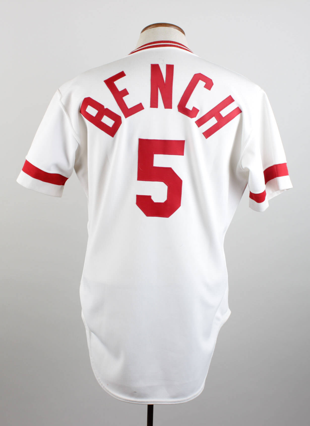 buy popular c52ae 5cf20 1983 Cincinnati Reds - Johnny Bench Game-Worn, Signed Jersey- 100% Team  Graded: 11/20