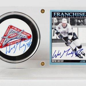 Los Angeles Kings Wayne Gretzky Signed Puck & Card Display