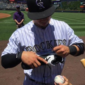 Carlos Gonzalez Signed NIike Baseball Cleat JSA/COA COLORADO ROCKIES