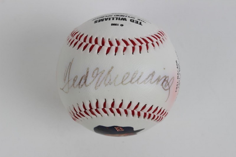 Boston Red Sox - Ted Williams Signed Fotoball Baseball with Portrait 413/1000