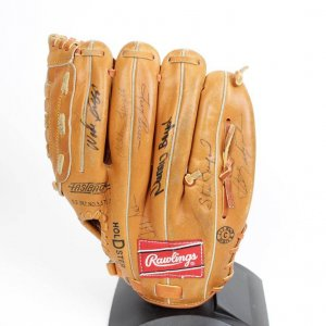 Boston Red Sox Rawlings RBG70 Model Glove Signed by 17 Former Players Incl. Ted Williams