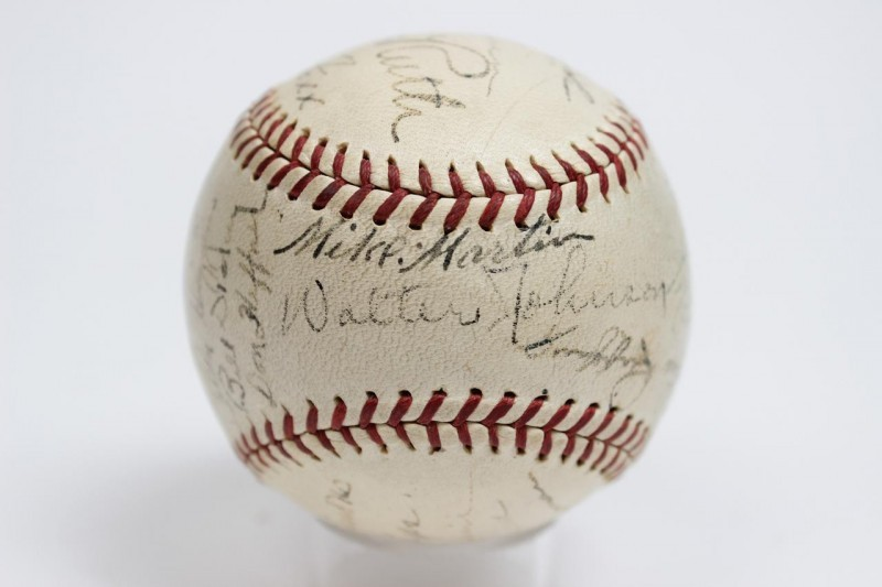 1934 All-Star Team-Signed Baseball 23 Sigs. Incl. Babe Ruth, Lou Gehrig, Walter Johsnon, Jimmie Foxx, Heinie Manush, Joe Cronin, Earl Averill, Lefty Gomez, Chas Gehringer, Pinky Higgins etc.