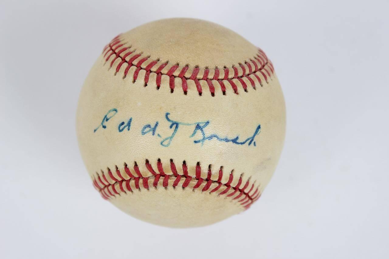 Cincinnati Reds - Edd Roush Single-Signed ONL Baseball - JSA Full LOA