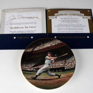 New York Yankees Joe Dimaggio Signed The Streak Limited Edition Plate 762 By Artist Stephen Gardner