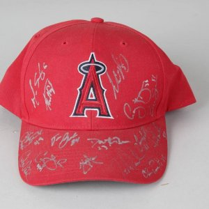 Aneheim Angels 2005 Team-Signed Hat