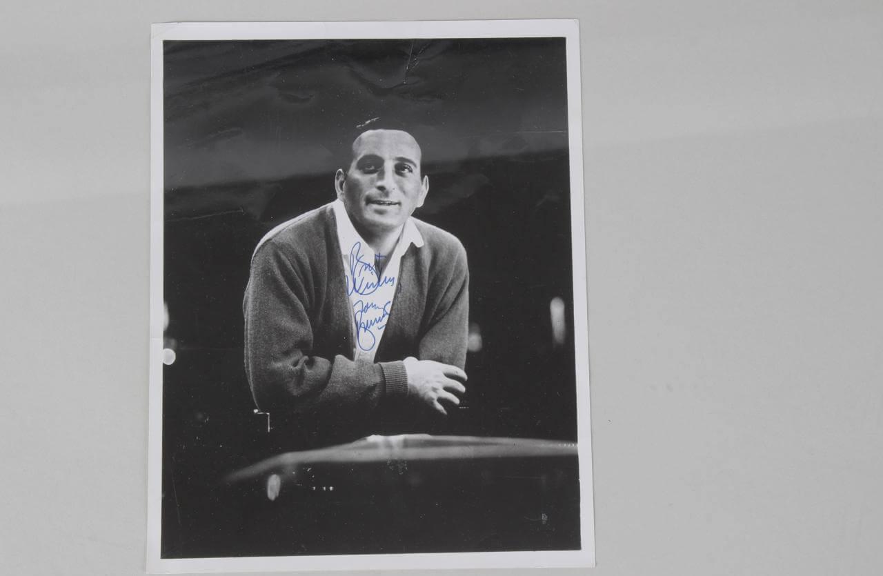 Tony Bennett Signed & Inscribed Vintage 7x9 B&W Photo - JSA