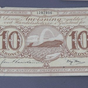 1950s Ten (10) Kroner Bill Note Greenland Illustration Feat. Whale Amidst the Icebergs Signed By Borge Ibseu