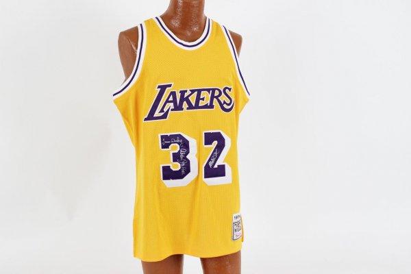 Los Angeles Lakers - Magic Johnson Jersey Signed Magic, Kareem, James Worthy