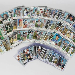 1973 Topps Baseball Card Signed Partial Set 300+ Sigs. Incl. Yogi Berra, Catfish Hunter, Eddie Mathews, Dock Ellis etc.