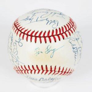 1986 Chicago White Sox Team Signed OAL (Brown) Baseball, Steve Carlton,Carlton Fisk, Harold Baines
