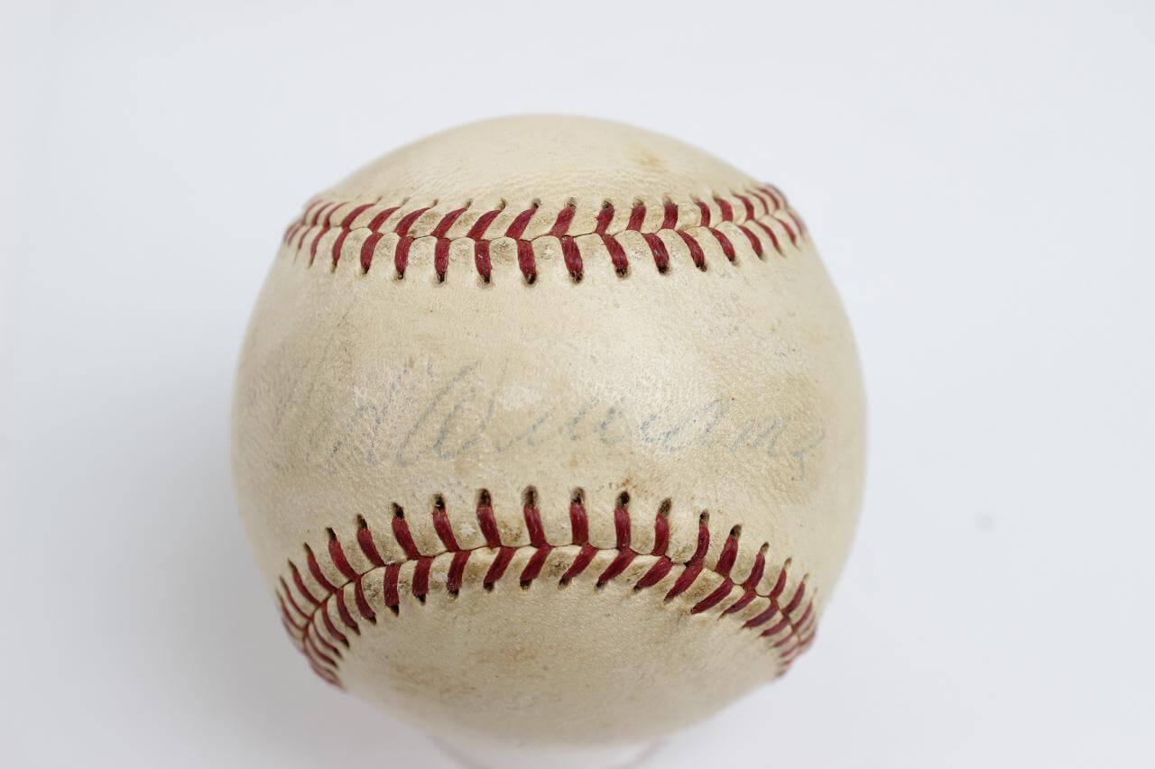 Boston Red Sox – Ted Williams Signed OAL (Harridge) Baseball86134_01_lg