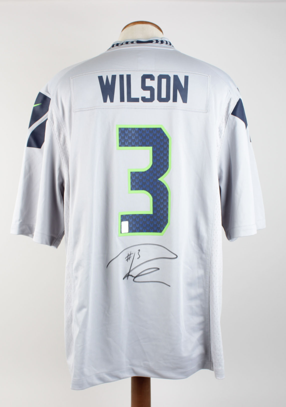 official photos 61102 63d2f Seattle Seahawks - Russell Wilson Signed Jersey (Wilson Hologram)