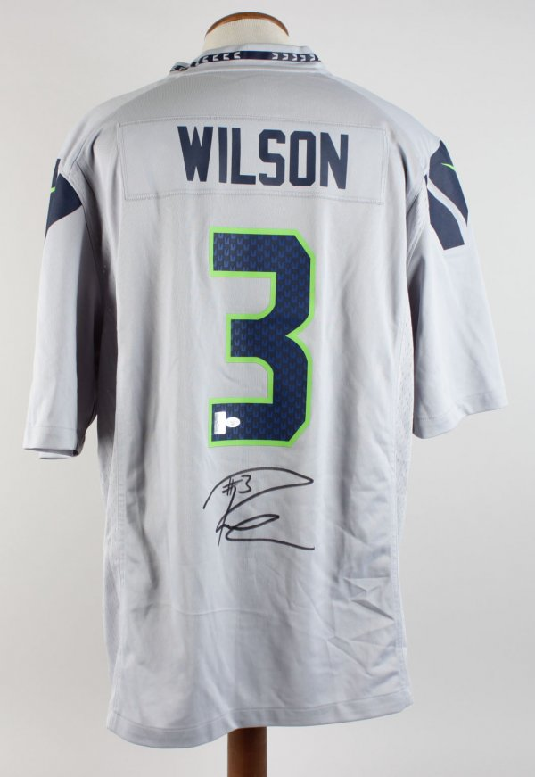 Seattle Seahawks - Russell Wilson Signed Jersey (Wilson Hologram)