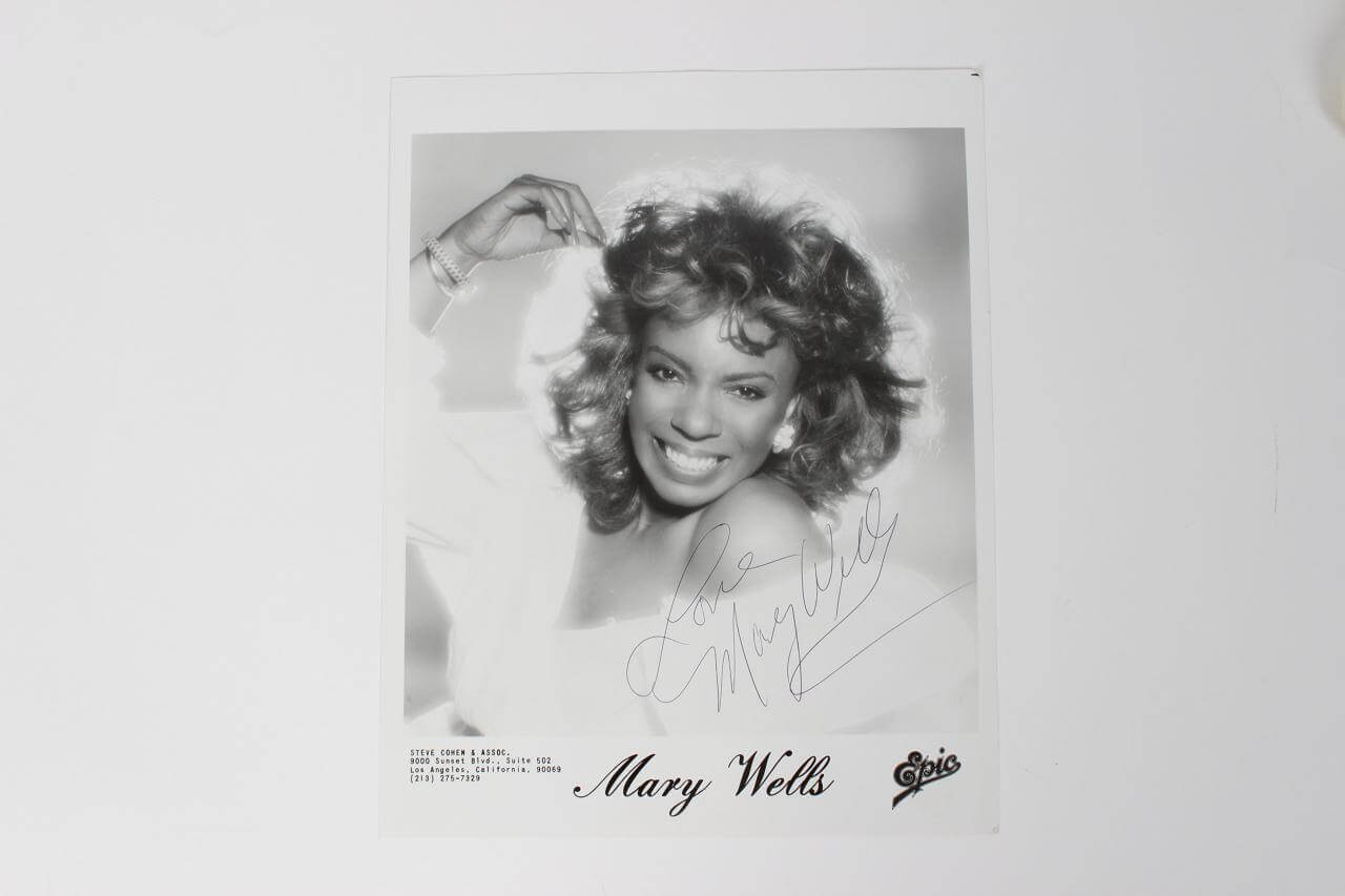 """Mary Wells Signed & Inscribed """"Love"""" 8x10 B&W Photo"""