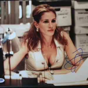 Academy Award Winning Actress - Movie Star - Julia Roberts Signed Autographed 11x14 Erin Brockovich Film Photo (PSA/DNA COA)