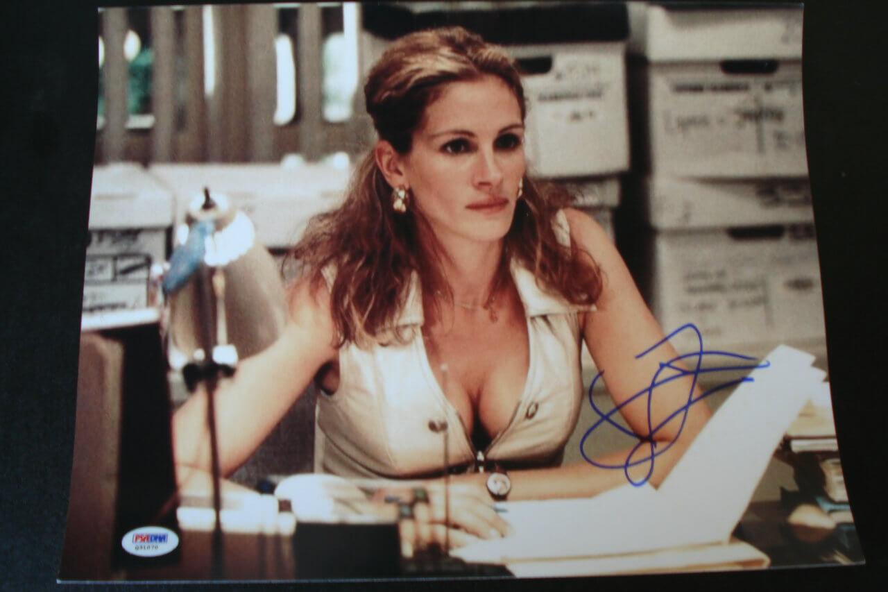 Academy Award Winning Actress - Movie Star - Julia Roberts Signed Autographed 11x14 Erin Brockovich Film Photo (PSA/DNA COA)