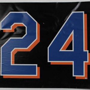 New York Mets Game Used 44x34 Vinyl Shea Stadium Game Countdown Sign Final Season (08/11/08) vs Pirates (Team Letter)