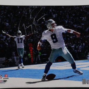 Dallas Cowboys - Tony Romo Signed 16x20 Touchdown Photo (Romo Hologram - GTSM)