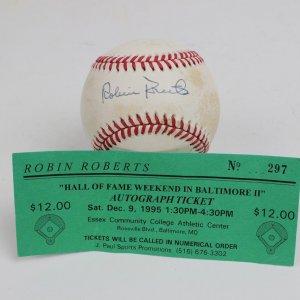 Philadelphia Phillies - Robin Roberts Signed Baseball