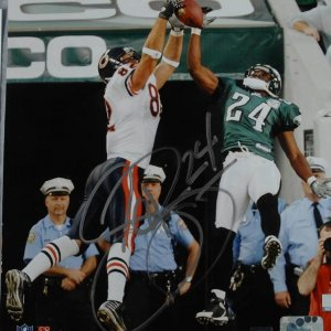 Philadelphia Eagles - Sheldon Brown Signed  Inscribed (24) 8x10 Photo Signature Grades 9-10