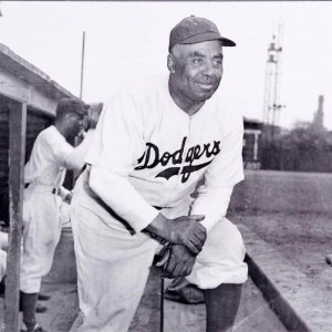 1945 Brooklyn Dodgers - Oscar Charleston 16x20 Photo (Teenie Harris Estate Photo)