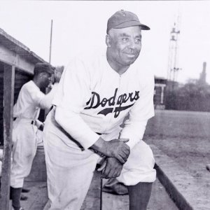 1945 Brooklyn Dodgers - Oscar Charleston 16x20 Photo (Teenie Harris Estate Photo)