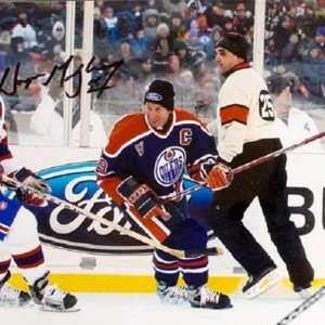 Edmonton Oilers - Wayne Gretzky Signed 8x10 Photo - COA