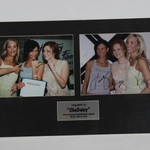 SheDaisy Autographed 8x10 matted Photo Display COA Global