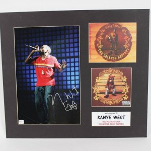 "Kanye West Signed 8x10 "" Best New Male Artist "" 2004 World Music Awards Display"