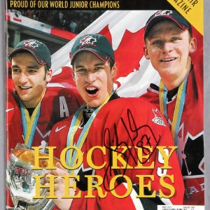 """Sidney Crosby Signed 2005 National Post """"Proud of our world junior champions"""" Souvenir Magazine"""
