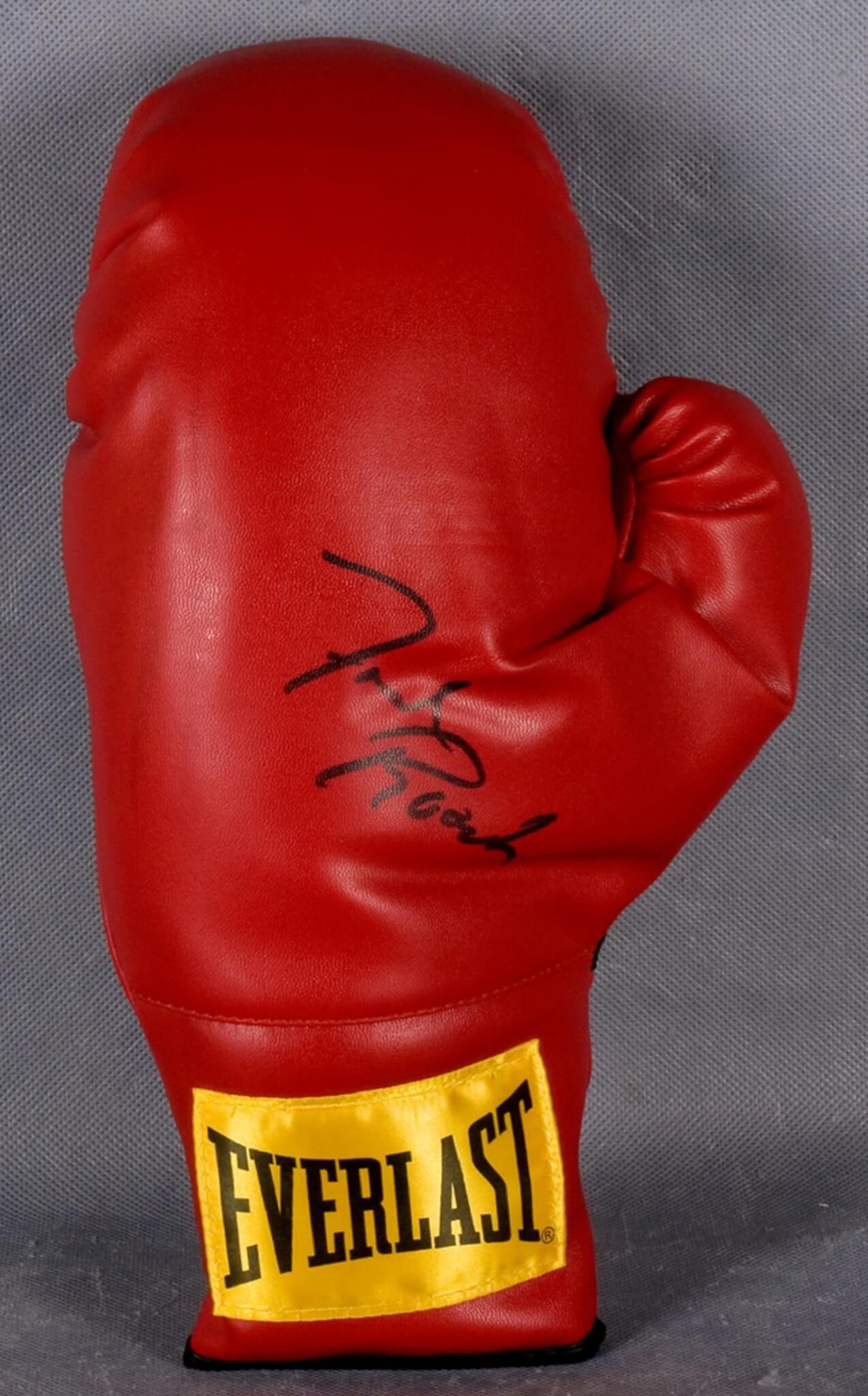 Freddie Roach Signed Boxing Glove. Everlast glove signed in black felt tip.