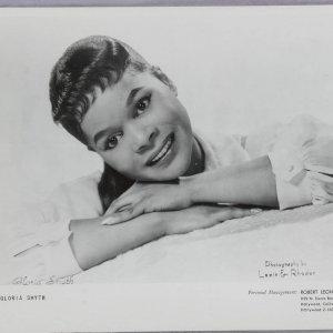 Gloria Smyth 8x10 Jazz Singer