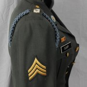 WWII US Army Sergant 9th Division (Old Reliables) Forrest Gump Military Jacket Coat w/ Real Decoration Medals, Expert Marksman Badge & Insignias incl. Medal of Honor & Vietnam Ribbon
