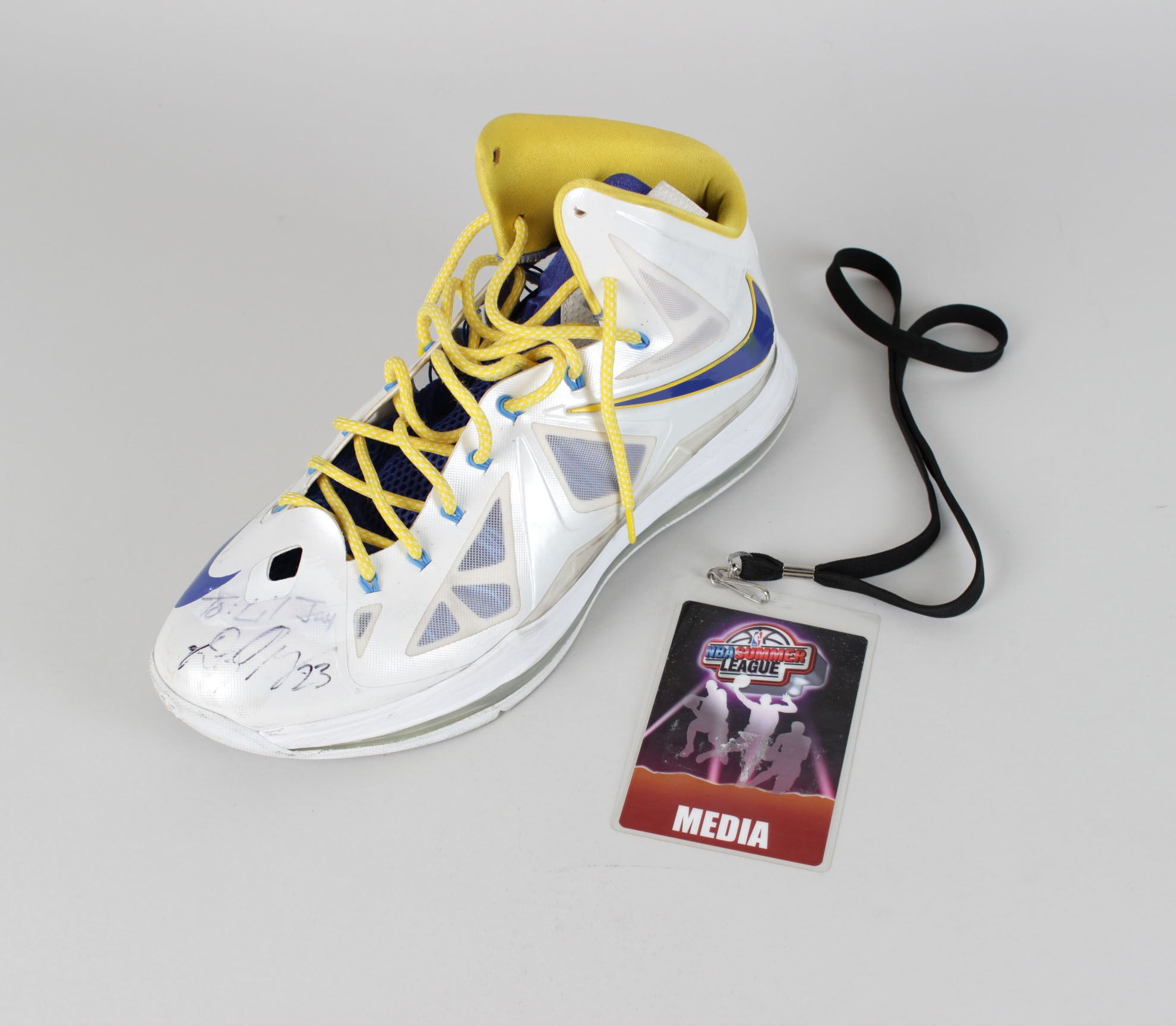 Golden State Warriors – Draymond Green Game-Worn 447ea11ea