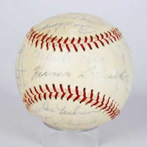 1966 San Francisco Giants Team Signed ONL (Giles) Spalding Baseball ,Willie Mays(CH),Orlando Cepeda,
