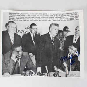 9/14/64 Muhammad Ali Signed 8x10 Wire Photo