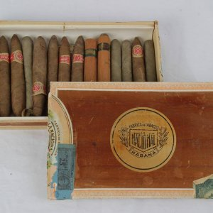 1947 Pre-Embargo Fabrica De Tabacos National Habana, Cuba - Bankers Club of America Cigars with Box 14 Cigars