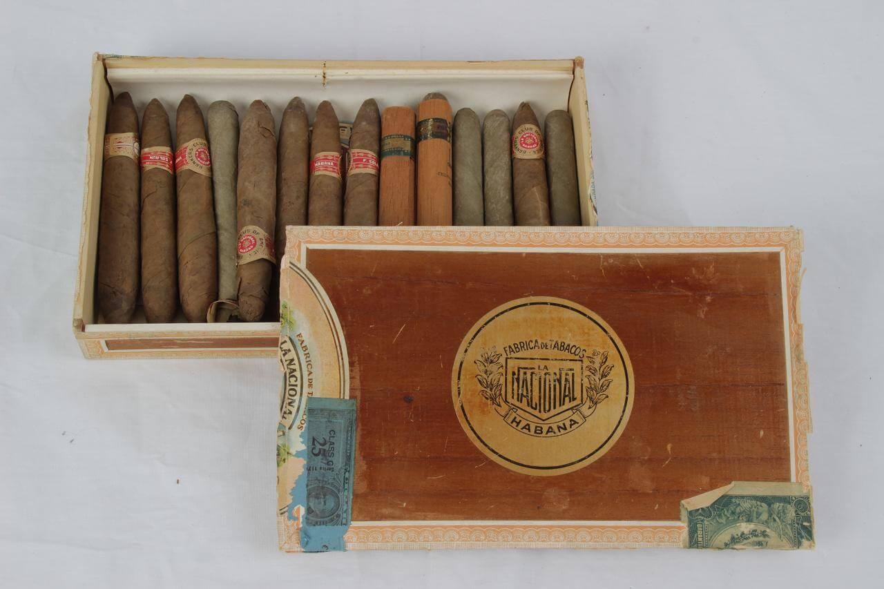 1947 Pre-E m bargo Fabrica De Tabacos National Habana, C u b a - Bankers Club of America C i g ars with Box 14 Cigars