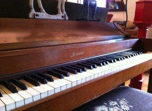 john lennons piano