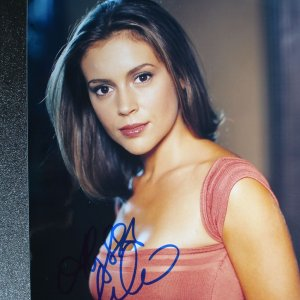 Who's the Boss? - Charmed Actress - Alyssa Milano Signed 8x10 Photo (JSA COA)