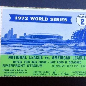 1972 WORLD SERIES TICKET STUB GAME 2 Oakland A's vs Reds at Riverfront stadium
