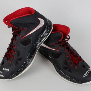 2013 Heat Le Bron James Game Worn & Signed Shoes (UDA)