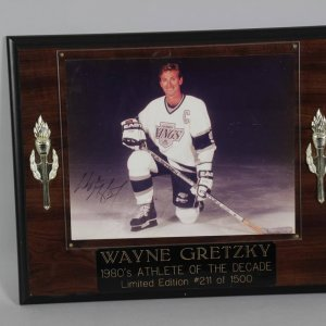LA Kings Wayne Gretzky Signed 8x10 Plaque Display COA JSA