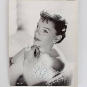 Actress Judy Garland Signed 8x10 Photo