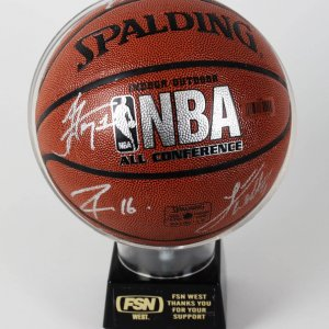 2009-10 Los Angeles Lakers Team-Signed Basketball 13 Incl. Kobe Bryant, Ron Artest, Pau Gasol etc. (Team LOA)