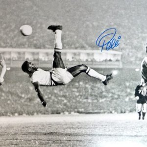 Soccer Great - Pele Autographed 16x20 Photo CBD Brazil Bicycle Kick (PSA/DNA COA)