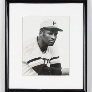 """Pittsburgh Pirates - Roberto Clemente Signed & Inscribed """"Best Wishes"""" 8x10  B&W Photo Display (JSA Full LOA)"""
