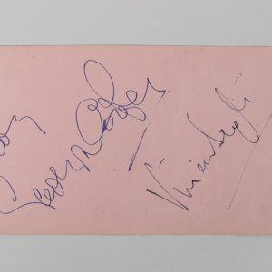 Vivien Leigh / Gladys Cooper Signed Cut Album Page (JSA Full LOA)